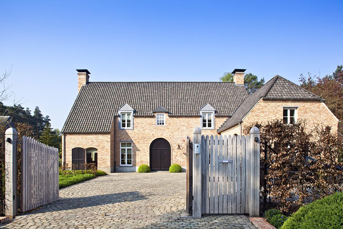 Realisaties architect luxe woningen architectenbureau gruwez oudenaarde gent for Moderne stijl gevel
