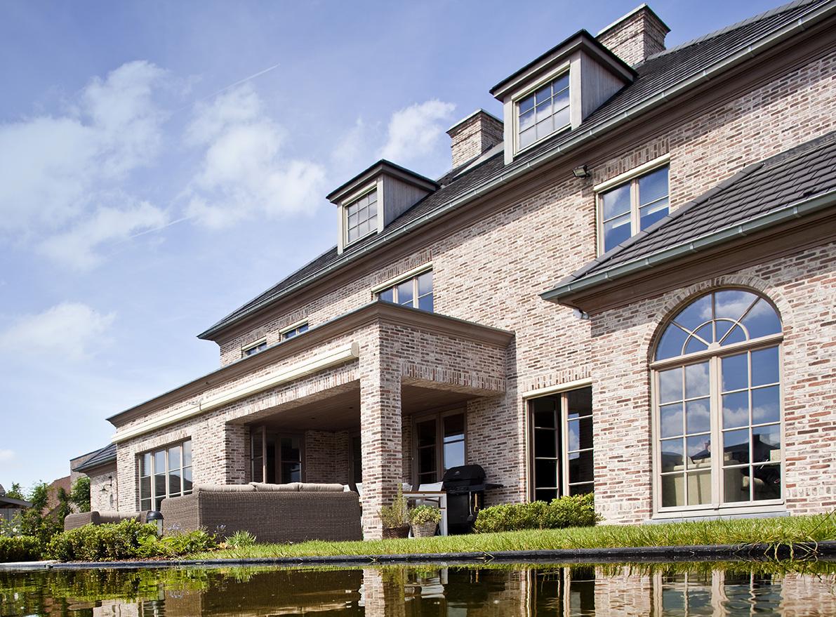 Realisaties architect luxe woningen architectenbureau for Architecten moderne stijl